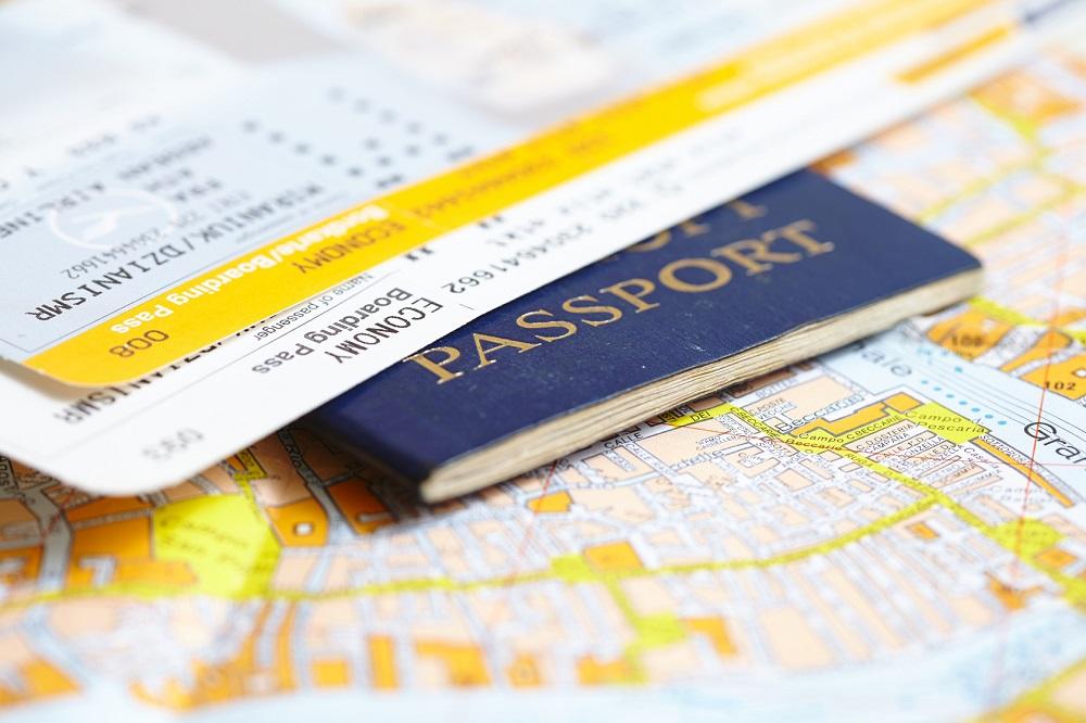 jak chronić dokumenty w podróży
